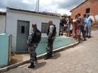 Homem é morto a tiros e a facadas dentro de casa em Guarabira, PB