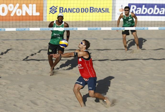 André e Evandro venceram os dois jogos que disputaram até agora  (Foto: Getty Image/FIVB)