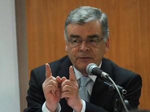O ex-procurador-geral da República Aristides Junqueira durante evento sobre voto obrigatório em outubro de 2006 (Foto: Antonio Cruz / Agência Brasil)