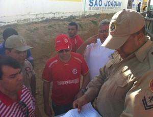 Alex Padang acompanha vistória no Nazarenão (Foto: Augusto César Gomes/Globoesporte.com)