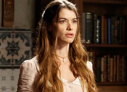 Lívia descobre que padre Luís é cúmplice de Vitória