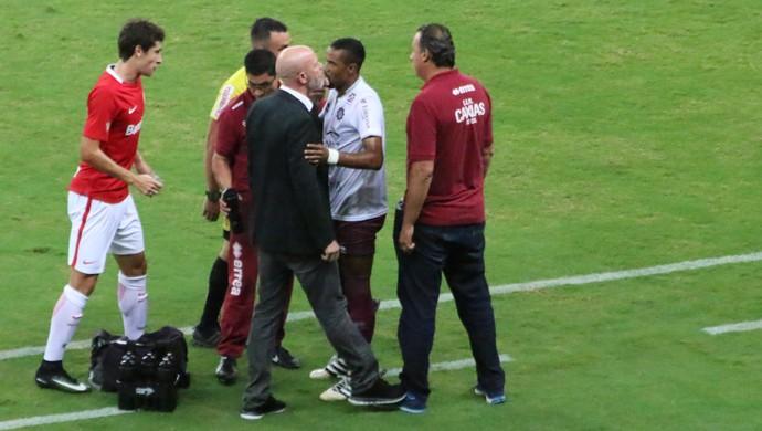 Internacional x Caxias Inter Beira-Rio Inter Antônio Carlos Zago confusão (Foto: Eduardo Deconto)