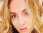 Angélica posta selfie com pouca maquiagem e ganha elogios
