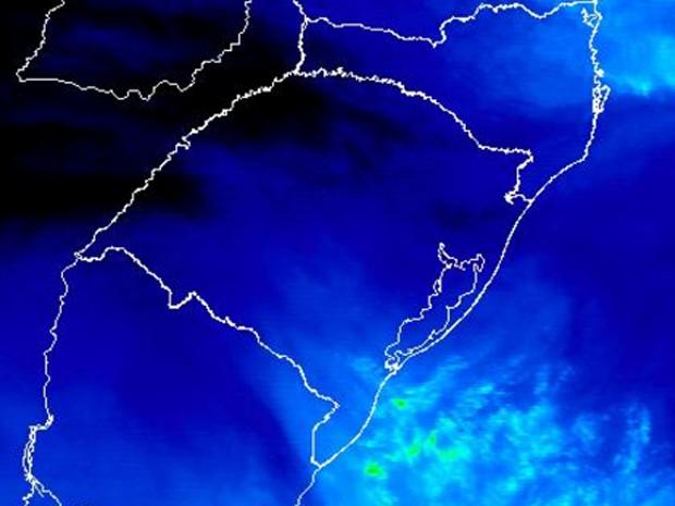 Segunda-feira deve registrar chuva na faixa leste do Rio Grande do Sul (Foto: Reprodução/Inmet)