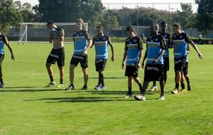 jogadores botafogo treino (Foto: Raphael Bózeo)