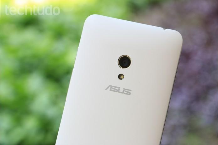 Zenfone 5 é mais barato do que Zenfone 6 (Foto: Lucas Mendes/TechTudo) (Foto: Zenfone 5 é mais barato do que Zenfone 6 (Foto: Lucas Mendes/TechTudo))