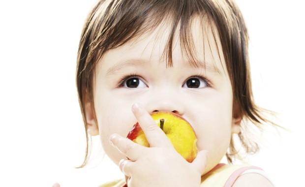Lanches demais entre as refeições atrapalham a alimentação do seu filho (Foto: Thinkstock)