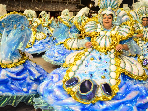 Ala das baianas da Dragões da Real desfila no Anhembi (Foto: Flavio Moraes / G1)