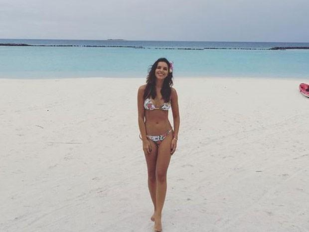 Mariana Rios posa de biquíni em praia (Foto: Instagram/ Reprodução)