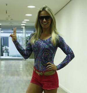 Carol Soares mostra os segredos do camarim das bailarinas  (Raphael Dias / Gshow)