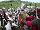 Centenas se fantasiam para encenar batalha de cruzada dinamarquesa