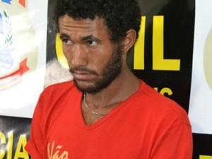Suspeito está foragido da polícia (Foto: Polícia Civil/Divulgação)