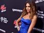 Jessica Alba usa vestido tomara que caia em première nos Estados Unidos