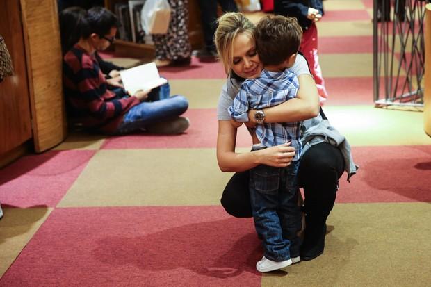 Eliana e o filho Arthur (Foto: Manuela Scarpa/Photo Rio News)