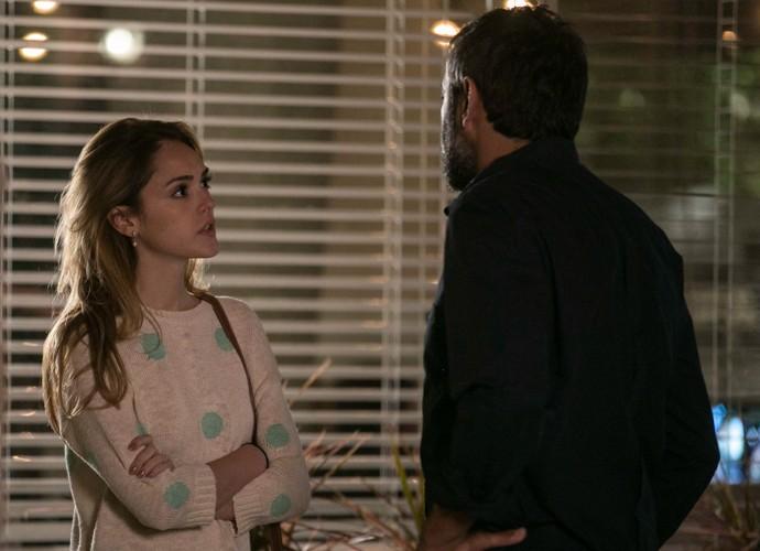 O que será que Júlia vai responder a Miguel? (Foto: Inácio Moraes / Gshow)