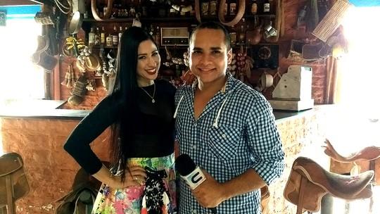 Olha ela! Nineia Oliveira e o forró das antigas no 'Combinado'