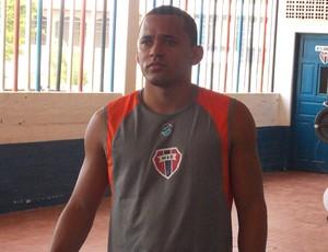Francisco Junior foi o único reforço apresentado (Foto: Bruno Alves/Globoesporte.com)