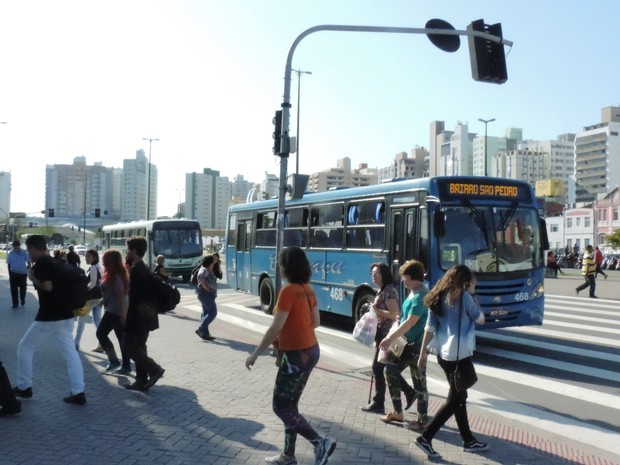 Ônibus voltaram a circular normalmente na Grande Florianópolis (Foto: Janara Nicoletti/G1)