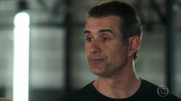 Ricardo conta para Jorjão que Joana pode ser sua filha