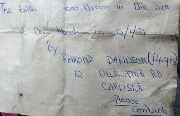 Em sua carta, Raymond pedia que quem a encontrasse fosse procurá-lo (Foto: BBC)