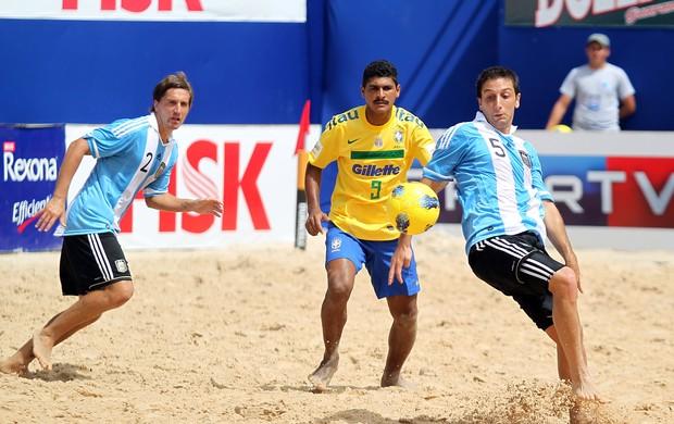 André Brasil Argentina futebol de areia (Foto: Wander Roberto/Inovafoto)