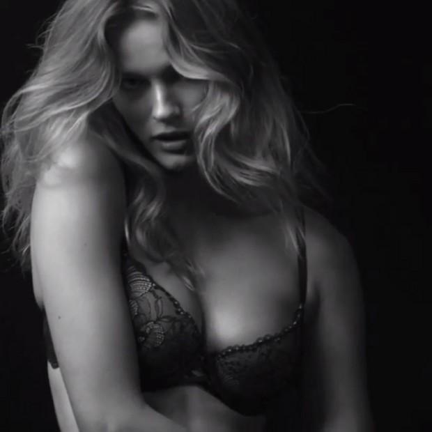 Edita Vilkeviciut em campanha Calvin Klein (Foto: Instagram / Reprodução)