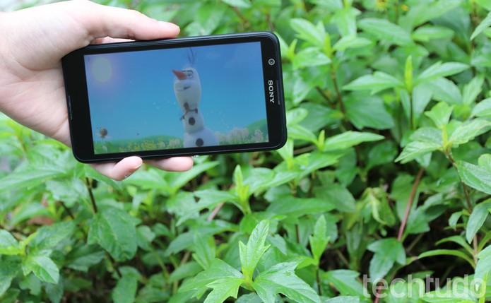 A bateria super potente do Xperia E4 é mais promessa do que realidade (Foto: Luana Marfim\TechTudo)