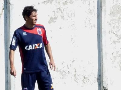 Lucio Flavio meia do Paraná Clube (Foto: Rafael Les)