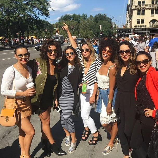 Juliana Paes, Sheron Menezzes e amigas em Nova York (Foto: Reprodução/Instagram)