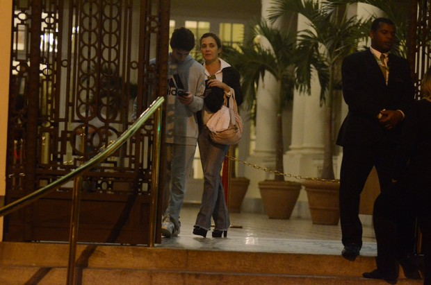Vicente e Adriana Esteves (Foto: Webert Belicio /Ag.News)