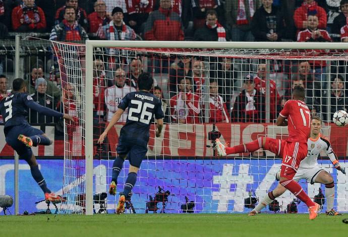 Evra gol, Bayern de Munique x Manchester United (Foto: AP)