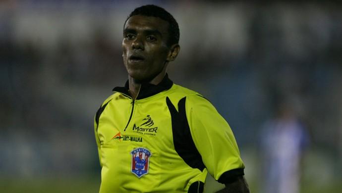 Dewson Fernando, paraense, atuará no jogo entre Flamengo e Santos, neste domingo (Foto: Marcelo Seabra / O Liberal)