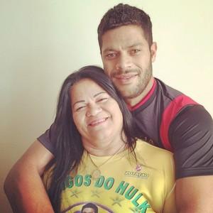 Hulk e sua mãe (Foto: Reprodução/Instagram)