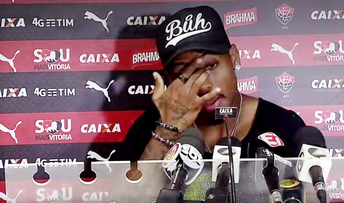 Marinho anuncia saída do Vitória (Foto: Reprodução )