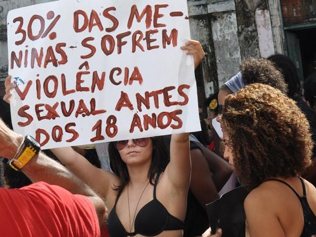 marcha das vadias; salvador; dois de julho (Foto: Eric Luiz Carvalho/G1)