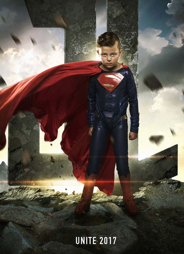 criança fantasiada de superman (Foto: Josh Rossi)