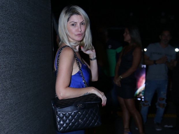 Antônia Fontenelle em show na Zona Oeste do Rio (Foto: Anderson Borde/ Ag. News)