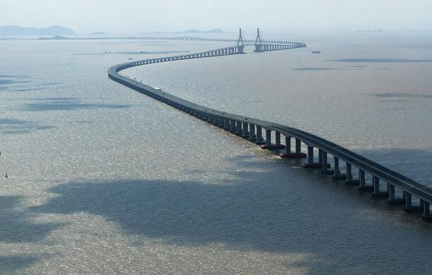 (Foto: Wikimedia / http://commons.wikimedia.org/wiki/File:Donghai_Bridge.jpg)