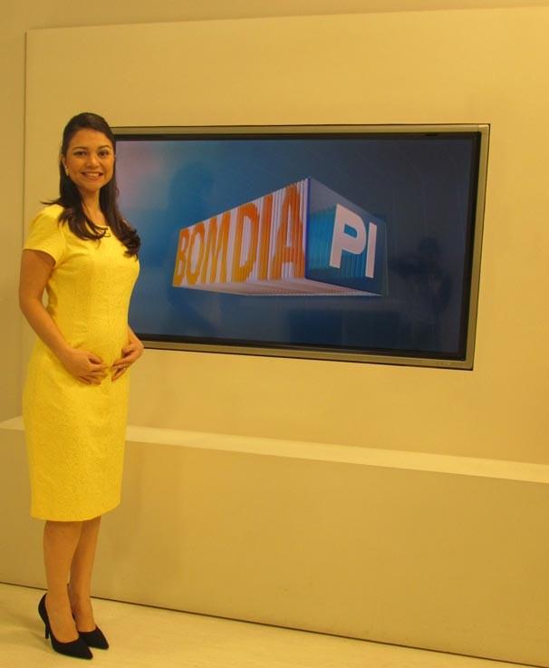 A apresentadora está no quinto mês de gestação (Foto: Laurivânia Fernandes/Rede Clube)