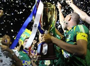 Gurupi comemora o hexa Tocantinense (Foto: Vilma Nascimento/GloboEsporte.com)
