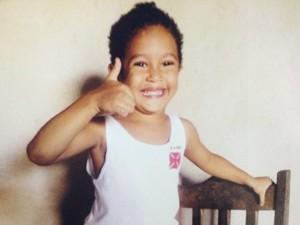 Arthur Pietro, de três anos, está desaparecido desde a manhã desta sexta-feira, em Porto Velho (Foto: Arquivo Pessoal)