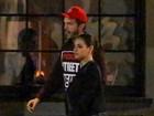 Com Mila Kunis, Ashton Kutcher quase esbarra com a ex Demi Moore