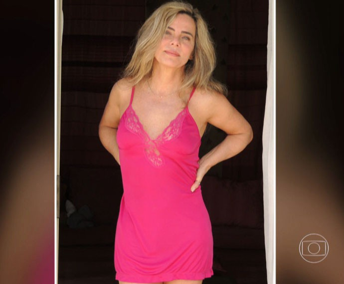 Bruna Lombardi posa de camisola  (Foto: Arquivo Pessoal)