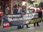 Servidores protestam no centro de Maceió a favor de Dilma Rousseff