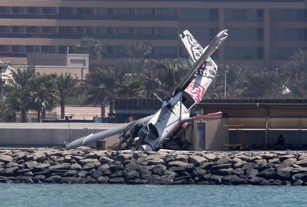 [Internacional] Avião de empresa de paraquedismo sofre acidente nos Emirados Árabes Aviao3