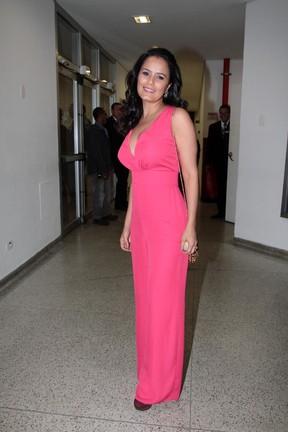 Luciele Di Camargo em show em São Paulo (Foto: Ag. News)