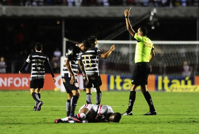 São Paulo x Corinthians arbitragem (Foto: Marcos Ribolli)