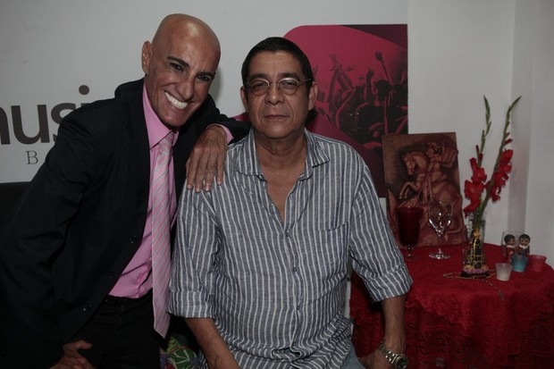 Amin Khader e Zeca Pagodinho em show na Zona Oeste do Rio (Foto: Isac Luz/ EGO)