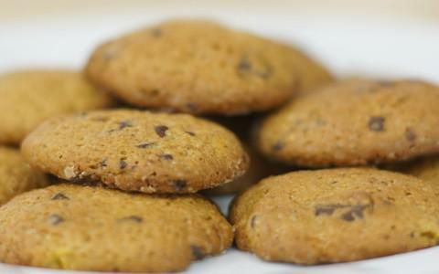 Receita de cookie de abóbora com sementes e chocolate