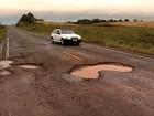 'Pior rodovia' do RS tem buracos e falta de acostamento e sinalização